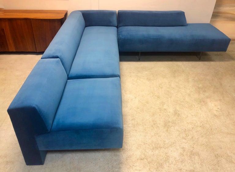 American Vladimir Kagan 3-Piece Omnibus Sofa Lucite Bases, 1970s For Sale