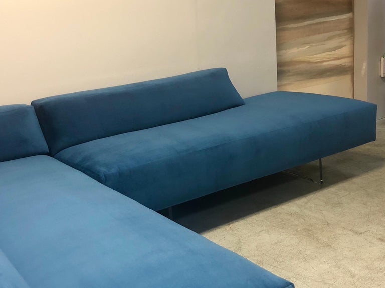 Late 20th Century Vladimir Kagan 3-Piece Omnibus Sofa Lucite Bases, 1970s For Sale