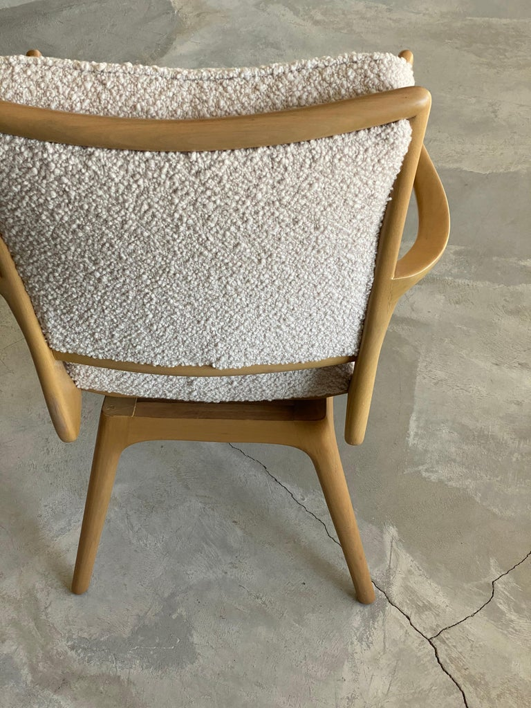 Vladimir Kagan, Armchair / Desk Chair, Wood, White Boucle, Kagan-Dreyfus, 1960s In Good Condition For Sale In West Palm Beach, FL