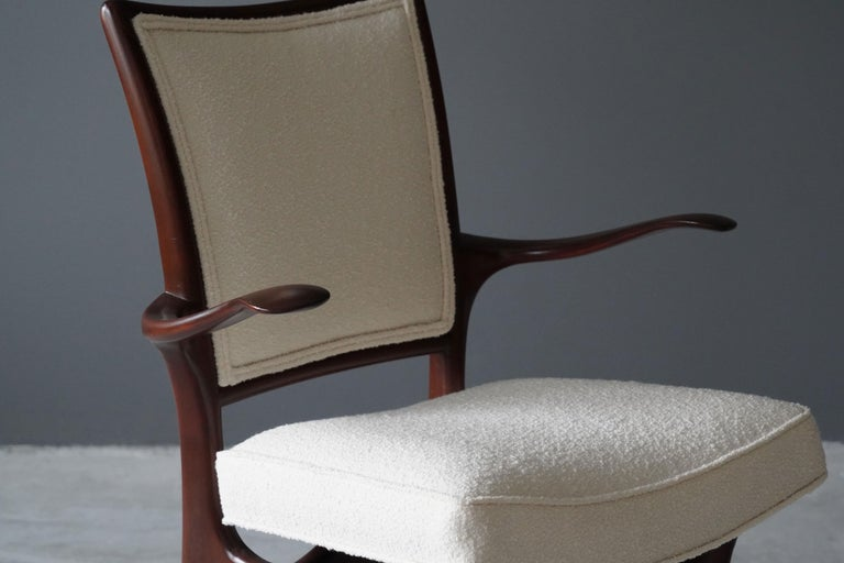 American Vladimir Kagan, Armchair / Side Chair, Walnut, White Boucle, Kagan-Dreyfus 1960s For Sale