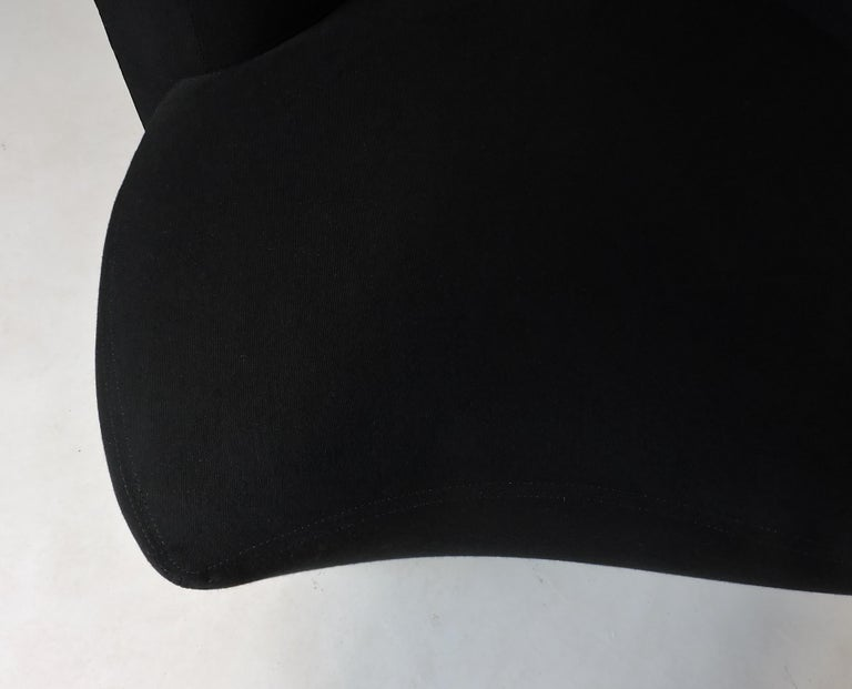 Late 20th Century Vladimir Kagan Bilbao Swivel Lounge Chair for Weiman For Sale