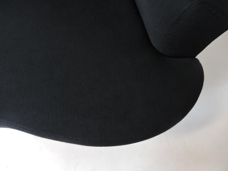 Upholstery Vladimir Kagan Bilbao Swivel Lounge Chair for Weiman For Sale
