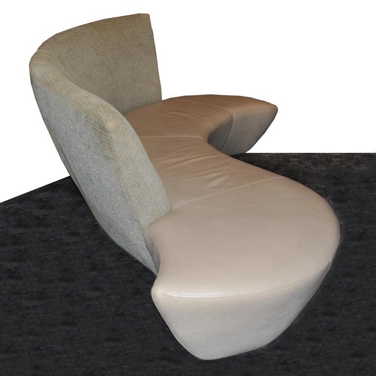 Vladimir Kagan Bilboa Sofa In Good Condition For Sale In Pasadena, TX