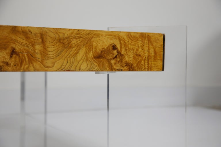 Vladimir Kagan Burled Wood and Lucite Coffee Table, circa 1970, Restored For Sale 4