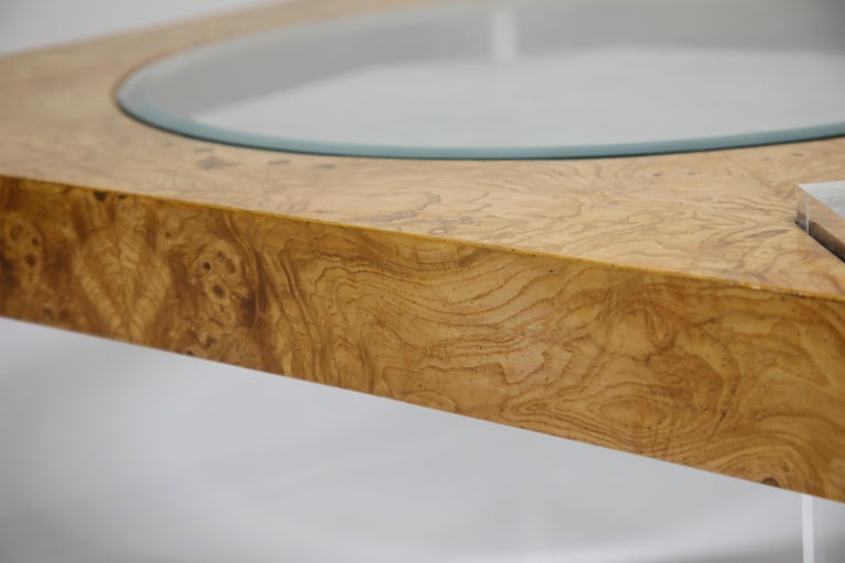 Vladimir Kagan Burled Wood and Lucite Coffee Table, circa 1970, Restored For Sale 7
