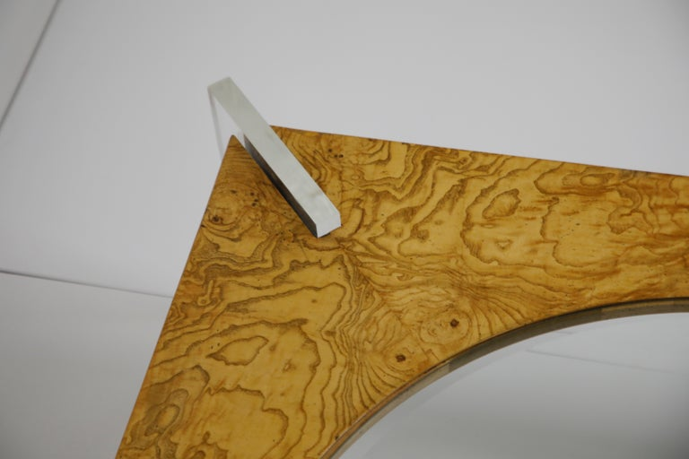Vladimir Kagan Burled Wood and Lucite Coffee Table, circa 1970, Restored For Sale 11