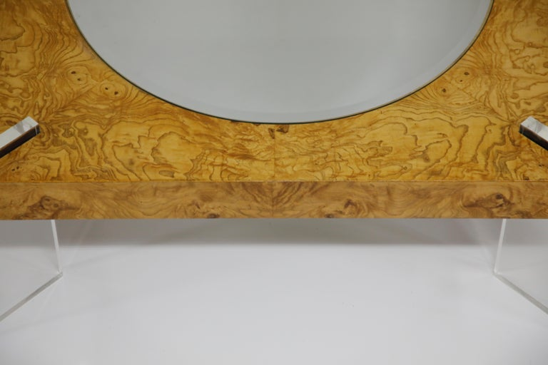 Vladimir Kagan Burled Wood and Lucite Coffee Table, circa 1970, Restored For Sale 13