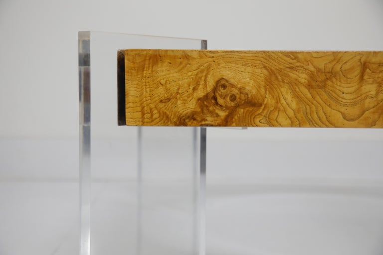Vladimir Kagan Burled Wood and Lucite Coffee Table, circa 1970, Restored For Sale 2