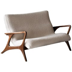 Vladimir Kagan, Contour Sofa, Sculpted Walnut, White Bouclé, Studio, 1970s