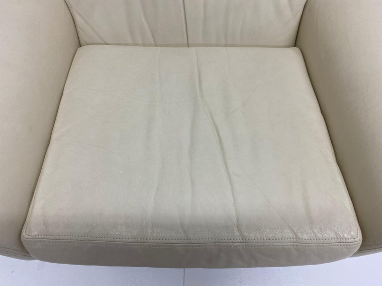 Vladimir Kagan Attr. Cream Leather Lounge Chair for Preview, 1980s For Sale 4