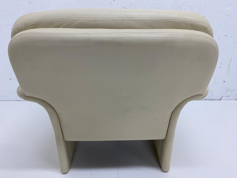 American Vladimir Kagan Attr. Cream Leather Lounge Chair for Preview, 1980s For Sale