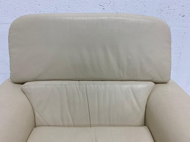 Vladimir Kagan Attr. Cream Leather Lounge Chair for Preview, 1980s For Sale 3