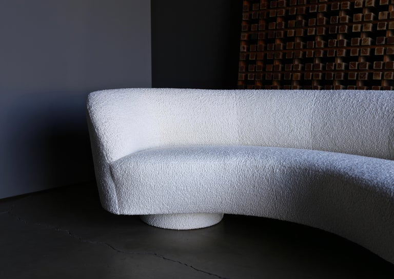 Vladimir Kagan Curved Serpentine Cloud Sofa for Directional For Sale 4