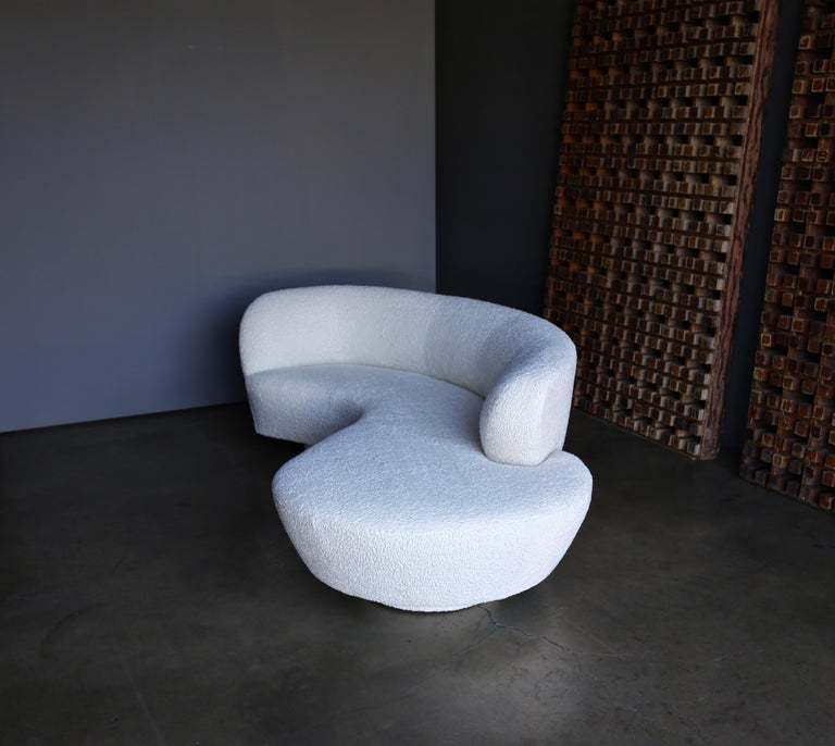 American Vladimir Kagan Curved Serpentine Cloud Sofa for Directional For Sale