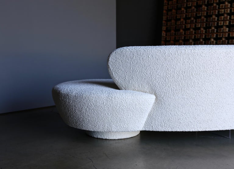 Vladimir Kagan Curved Serpentine Cloud Sofa for Directional For Sale 2