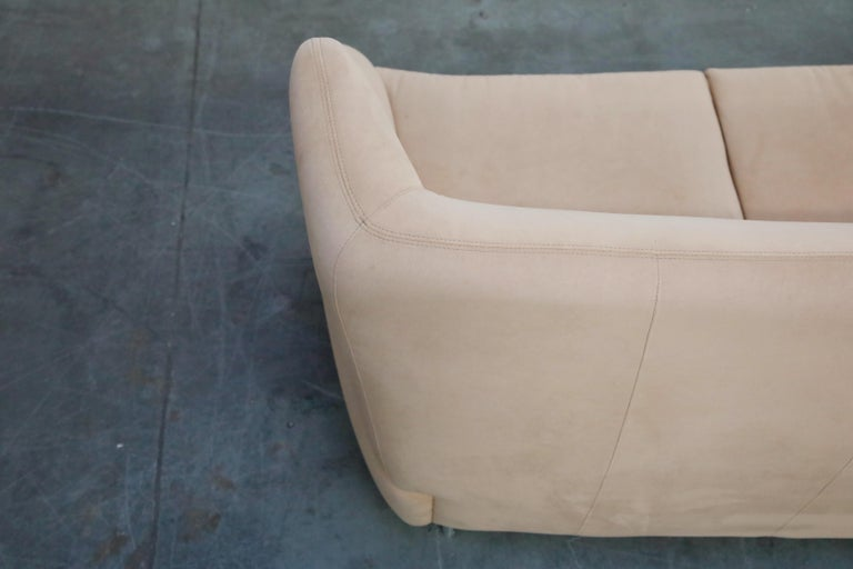 Vladimir Kagan for American Leather 'Fiftyish' Wingback Sofa, Signed For Sale 11
