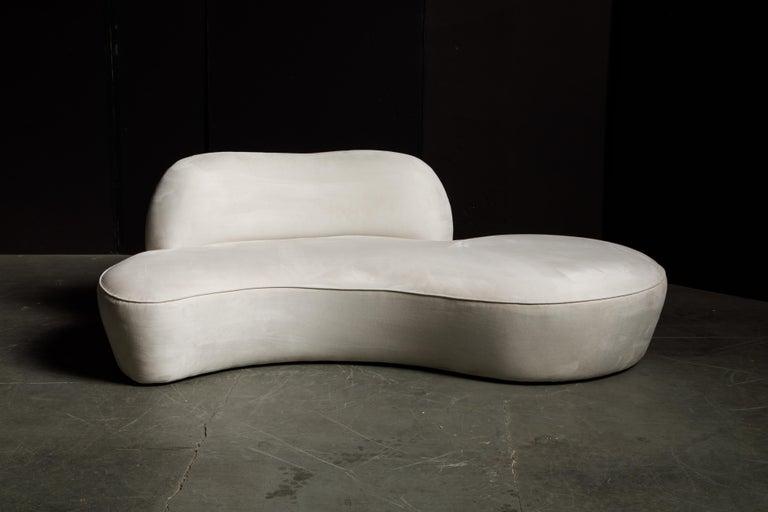 Modern Vladimir Kagan for American Leather 'Zoe' Sofa in White Alcantara, Signed For Sale