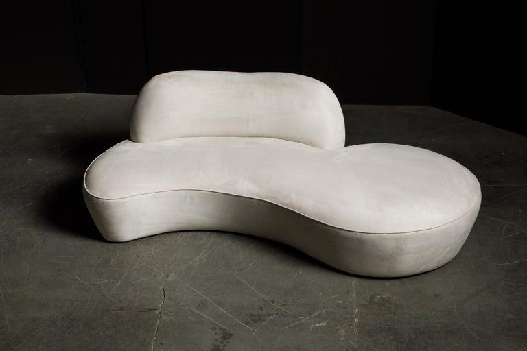 Vladimir Kagan for American Leather 'Zoe' Sofa in White Alcantara, Signed For Sale 1
