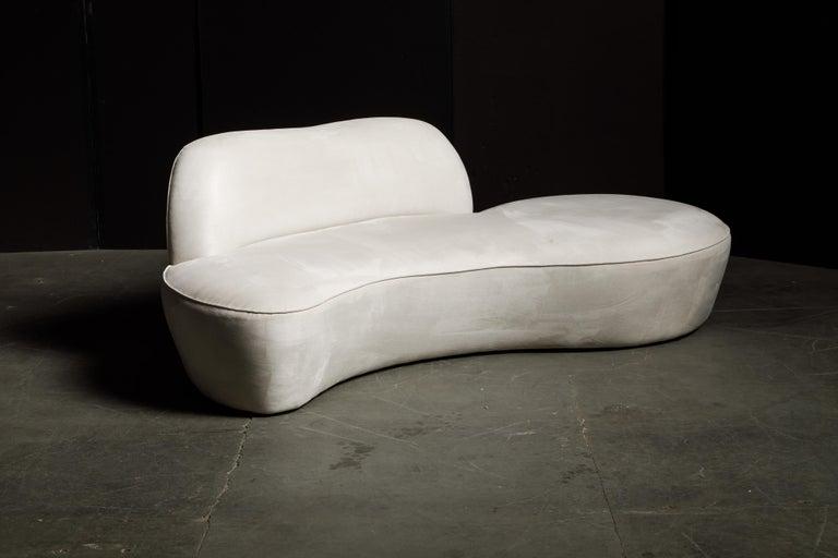 Vladimir Kagan for American Leather 'Zoe' Sofa in White Alcantara, Signed For Sale 2