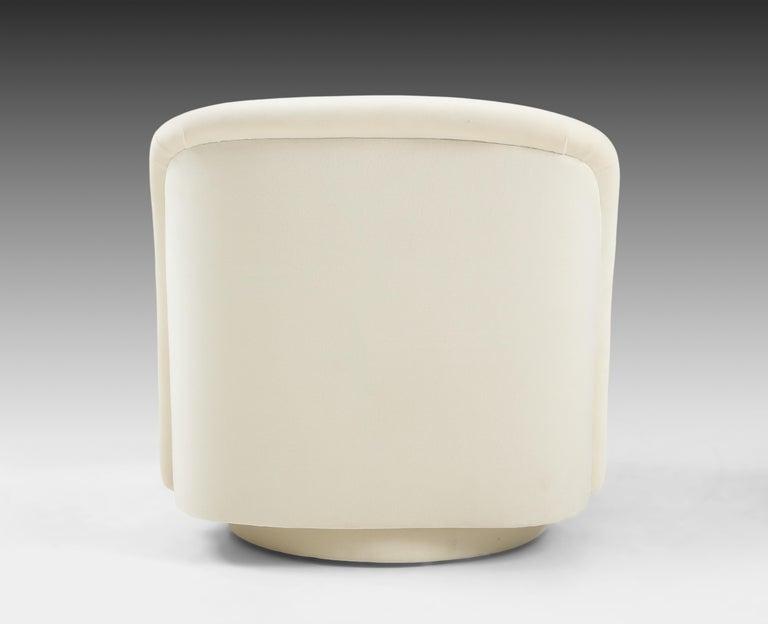 Vladimir Kagan for Directional Swivel Lounge Chairs in Ivory Velvet  For Sale 5