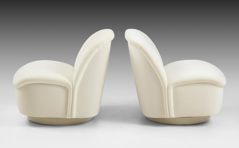 Vladimir Kagan for Directional Swivel Lounge Chairs in Ivory Velvet  In Excellent Condition For Sale In New York, NY