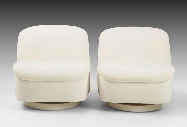 Late 20th Century Vladimir Kagan for Directional Swivel Lounge Chairs in Ivory Velvet  For Sale