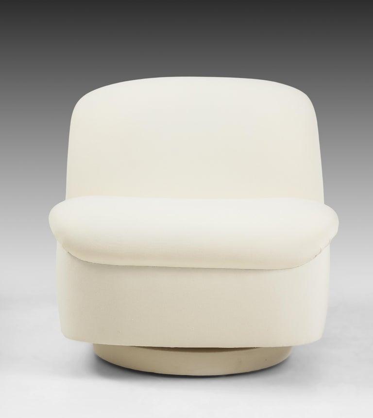 Vladimir Kagan for Directional Swivel Lounge Chairs in Ivory Velvet  For Sale 1