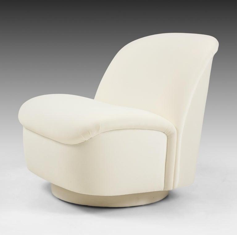 Vladimir Kagan for Directional Swivel Lounge Chairs in Ivory Velvet  For Sale 2