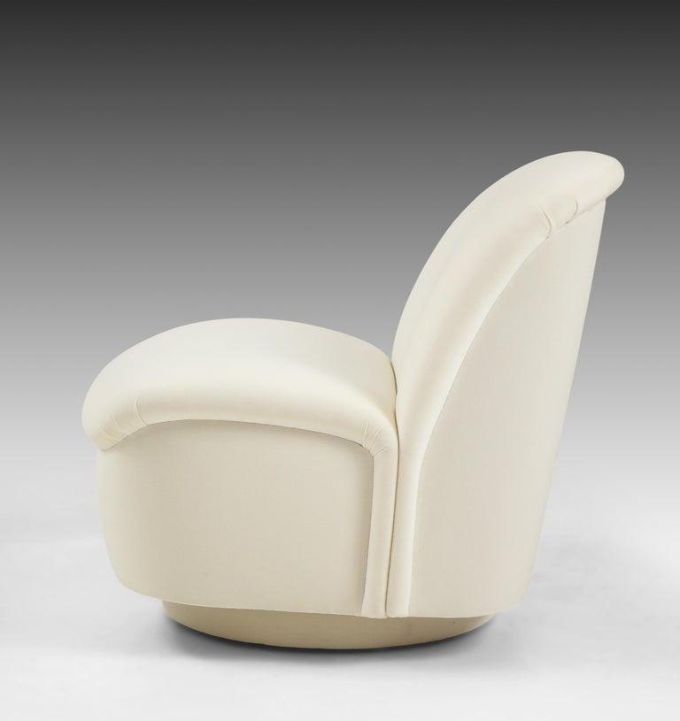 Vladimir Kagan for Directional Swivel Lounge Chairs in Ivory Velvet  For Sale 3