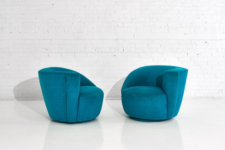 """Vladimir Kagan for Directional """"Nautilus"""" Swivel Chairs, 1980 In Good Condition In Chicago, IL"""