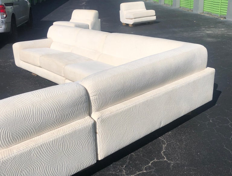 Vladimir Kagan for Preview Modern Plush Floating Executive Sectional Sofa In Good Condition For Sale In Miami, FL