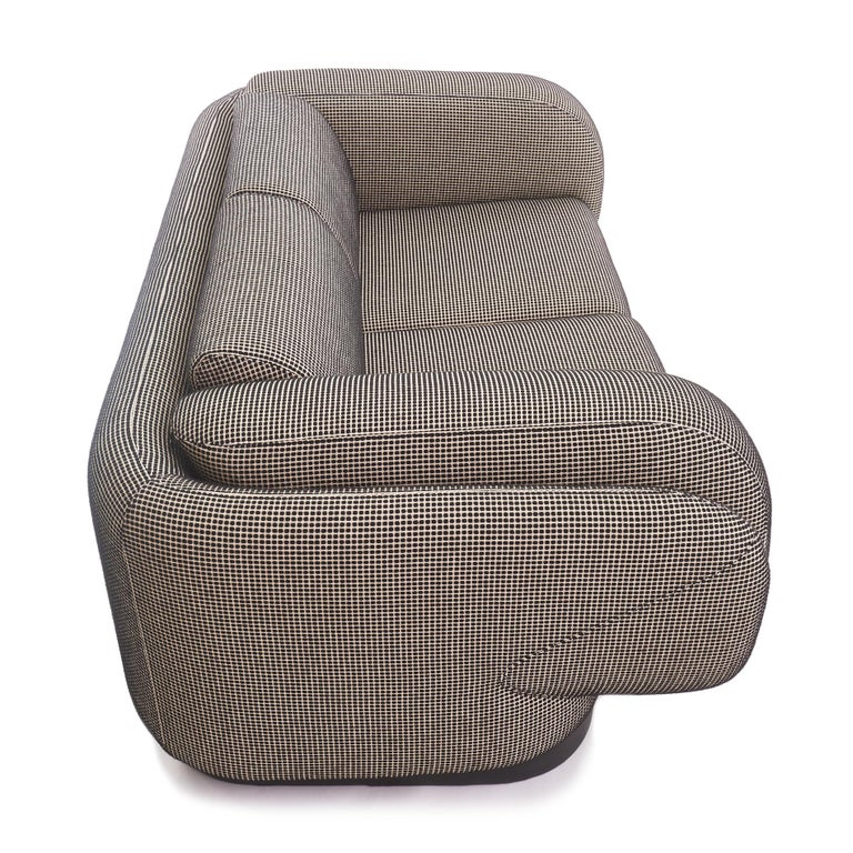 Vladimir Kagan for Preview Settee Loveseat In Good Condition For Sale In Chicago, IL