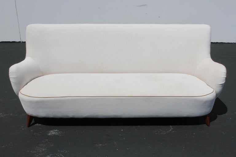 Vladimir Kagan for Pucci Sculptural Form Sofa, Holy Hunt Fabric For Sale 4