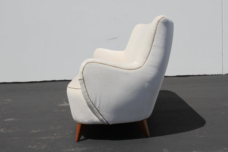 Vladimir Kagan for Pucci Sculptural Form Sofa, Holy Hunt Fabric In Good Condition For Sale In St. Louis, MO