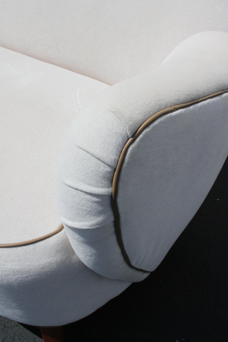 Vladimir Kagan for Pucci Sculptural Form Sofa, Holy Hunt Fabric For Sale 2