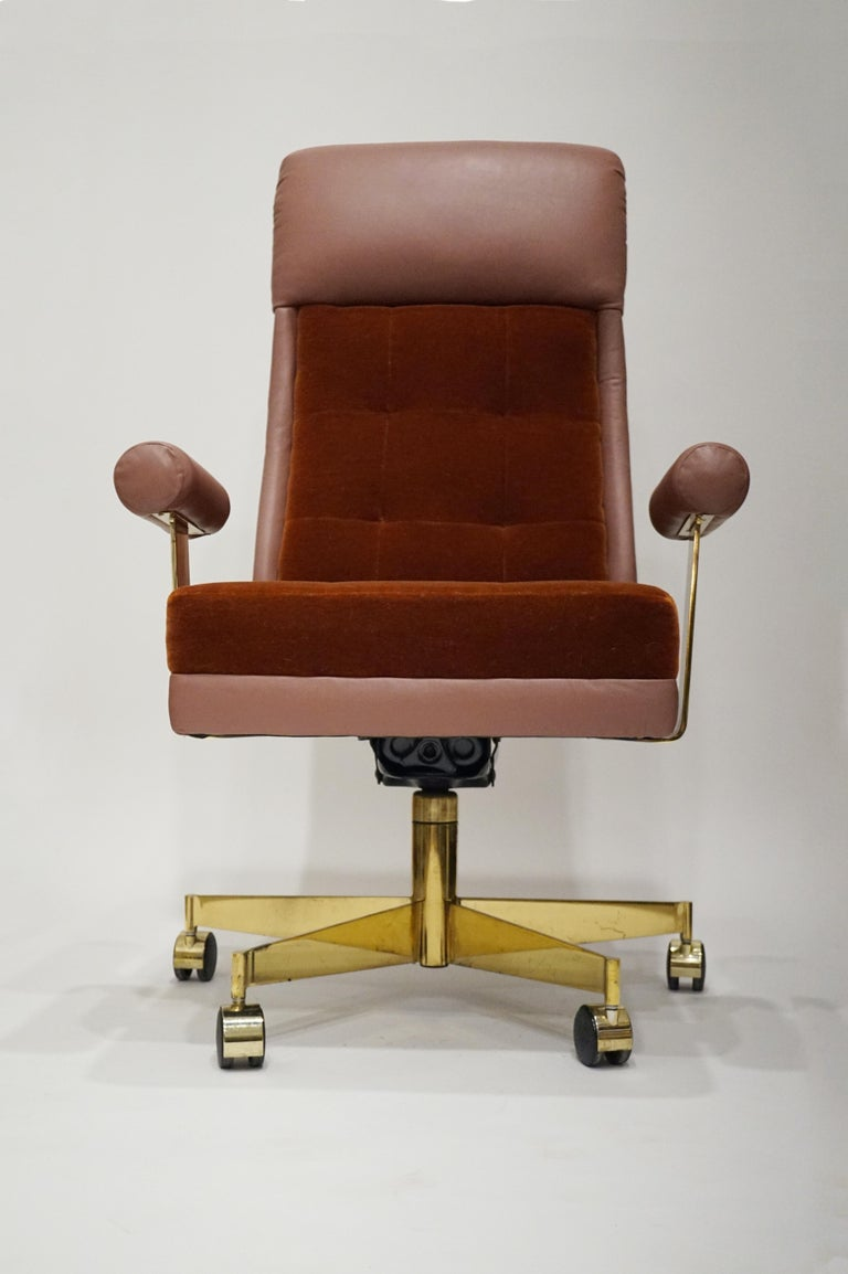American Vladimir Kagan Leather and Mohair Executive Desk Chair, circa 1979, Signed  For Sale