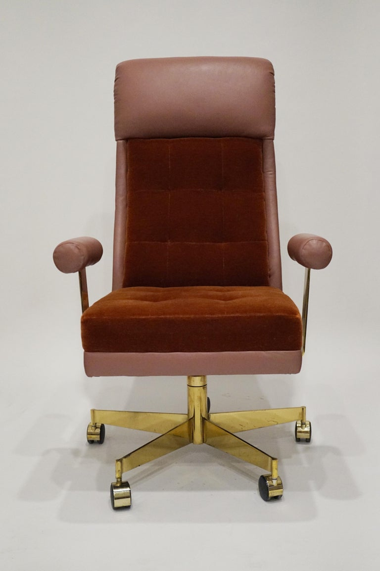 Vladimir Kagan Leather and Mohair Executive Desk Chair, circa 1979, Signed  In Good Condition For Sale In Los Angeles, CA