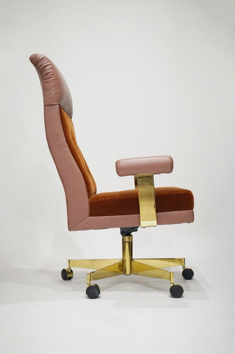 Vladimir Kagan Leather and Mohair Executive Desk Chair, circa 1979, Signed  For Sale 2