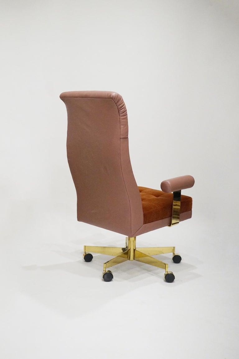 Vladimir Kagan Leather and Mohair Executive Desk Chair, circa 1979, Signed  For Sale 3