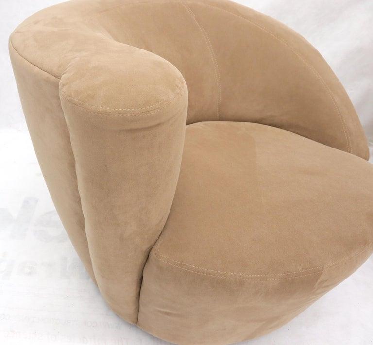 Vladimir Kagan Nautilus Camel Upholstery In Good Condition For Sale In Rockaway, NJ