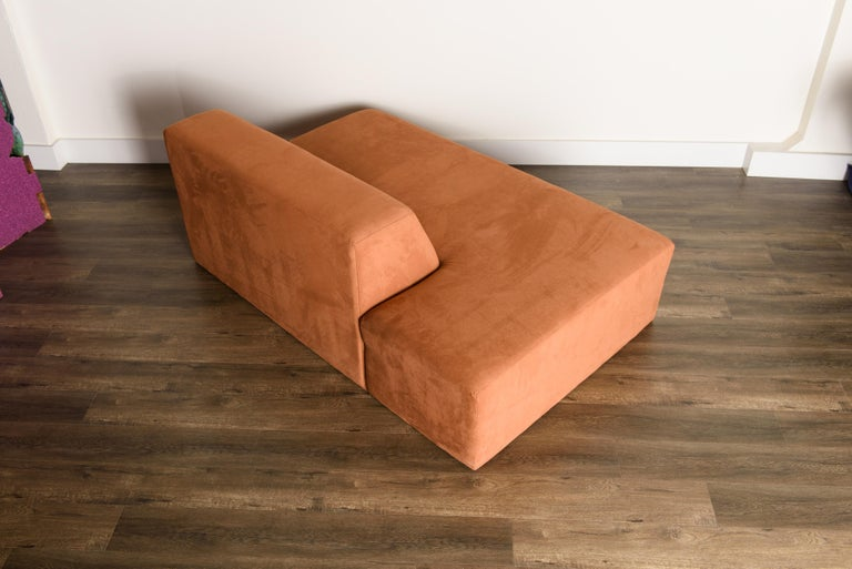 Vladimir Kagan 'Omnibus' Sectional Sofa with Lucite Legs, 1970s For Sale 4