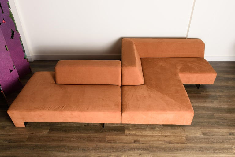 Mid-Century Modern Vladimir Kagan 'Omnibus' Sectional Sofa with Lucite Legs, 1970s For Sale