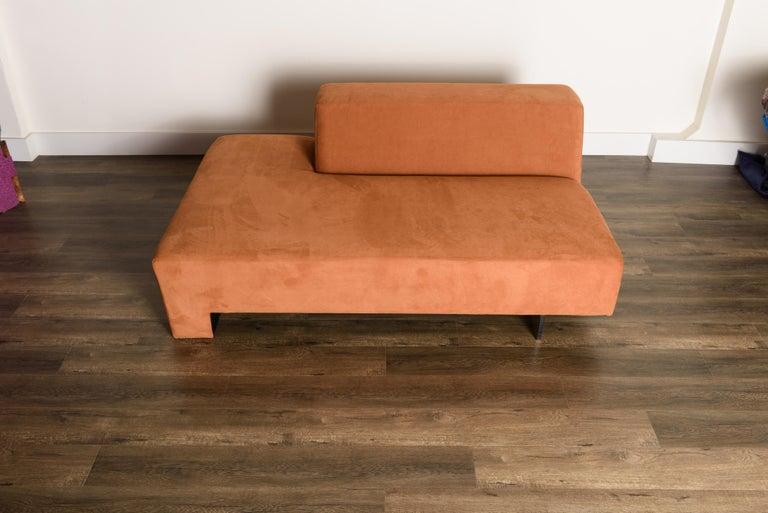 Vladimir Kagan 'Omnibus' Sectional Sofa with Lucite Legs, 1970s For Sale 1