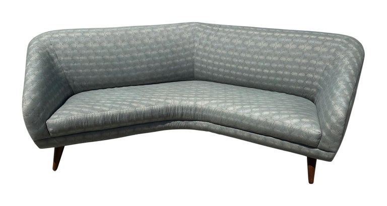 American Vladimir Kagan, Rare Curved Sofa, Fabric, Ash, Weiman / Preview, 1980s, America For Sale
