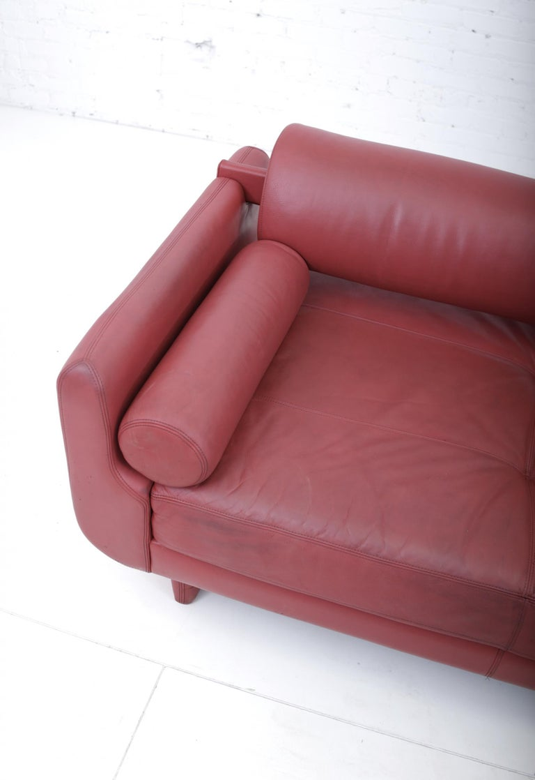 "Vladimir Kagan Red Leather ""Matinee"" Sofa Daybed For Sale 2"