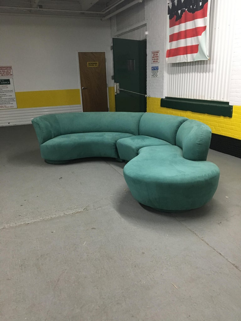 Excellent sectional 'Cloud' sofa by Vladimir Kagan for Weiman. Upholstery (ultra-suede) and cushions are fine, no excessive wear. Measures: 30