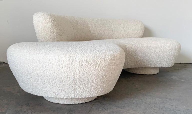 Vladimir Kagan Serpentine Cloud Sofa Upholstered in Heavy Boucle For Sale 2