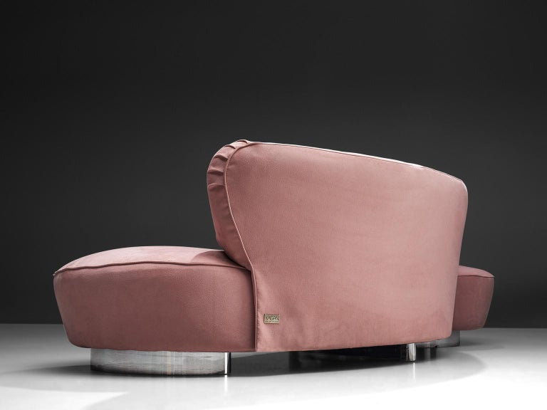 Vladimir Kagan Serpentine Sofa in Pink Upholstery In Good Condition For Sale In Waalwijk, NL