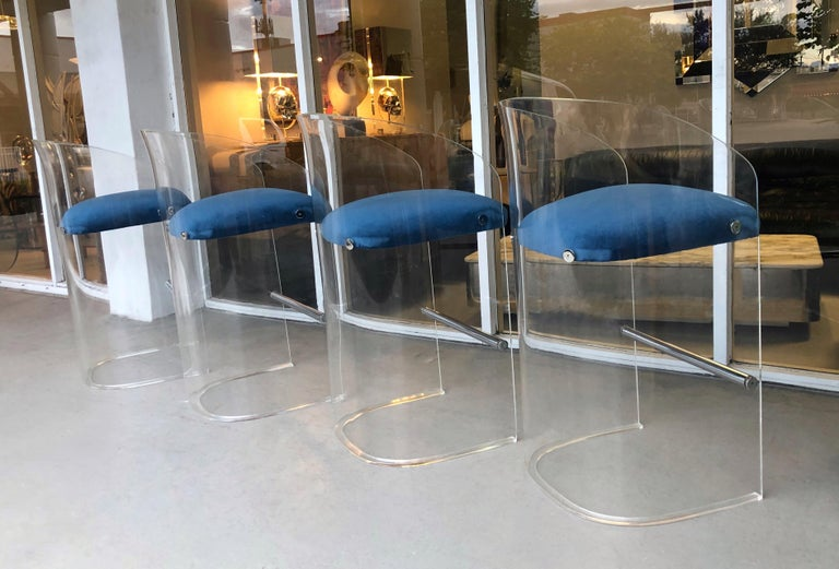 Vladimir Kagan Set of 4 Lucite Barstools, 1975 In Good Condition For Sale In Miami, FL