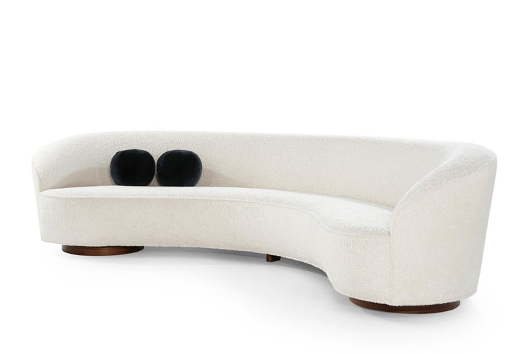 Vladimir Kagan 'Sloane' Sofa, Model 7550 In Excellent Condition For Sale In Stamford, CT